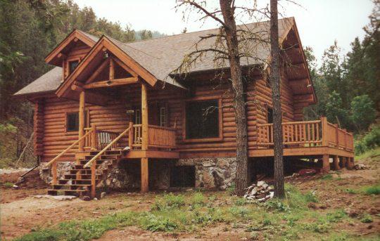 Handbuilt Log Homes